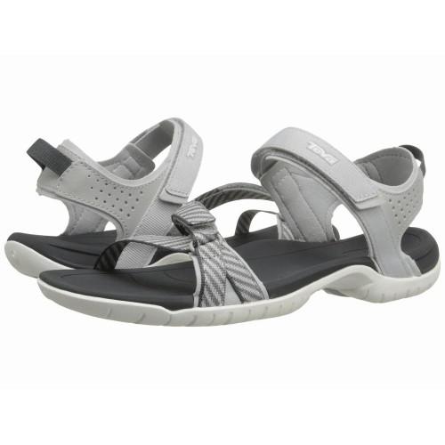 Dép sandal nam Teva là lựa chọn hợp lý khi đi chơi, đi học và cả đi du lịch