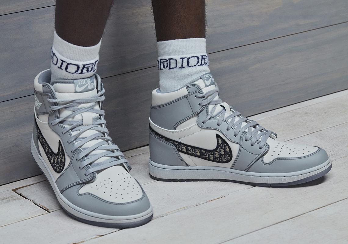 Một trong các loại giày đẹp được ưa chuộng là Nike Air Jordan 1 Dior